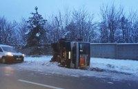 На деяких дорогах у Запорізькій області обмежено рух вантажівок