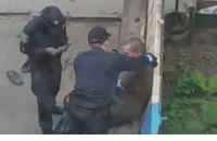 В Сумах патрульная получила условный срок за применение силы к пьяному мужчине