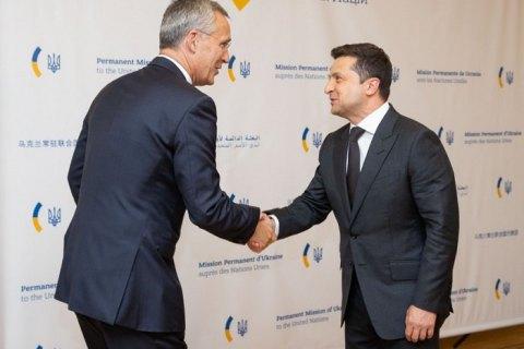 Зеленский попросил генсека НАТО оказать содействие в освобождении заложников, которых удерживает Россия