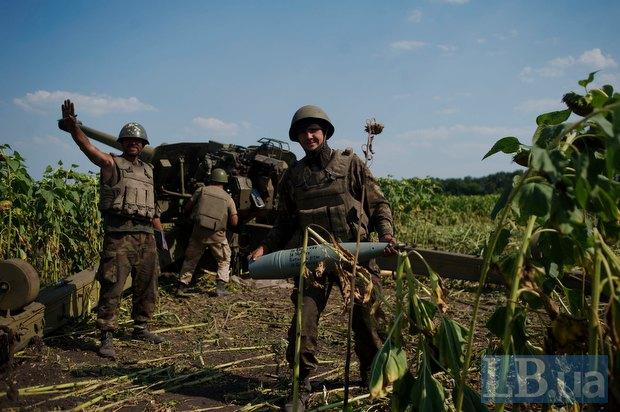 Вимушені позиції українських артилеристів в Донецькій області