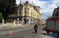 У центрі Львова горить будинок