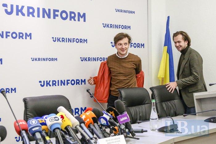 Иван Кравцов и Антон Родненков перед пресс-конференцией в Киеве