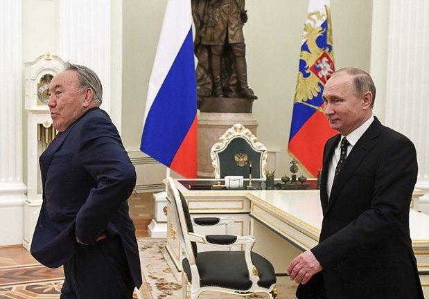 Владимир Путин и Нурсултан Назарбаев во время встречи в Кремле, 27 декабря 2017.