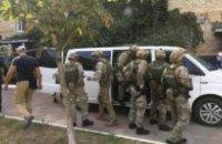 Поліція: мер одного з передмість Києва зібрав банду рекетирів