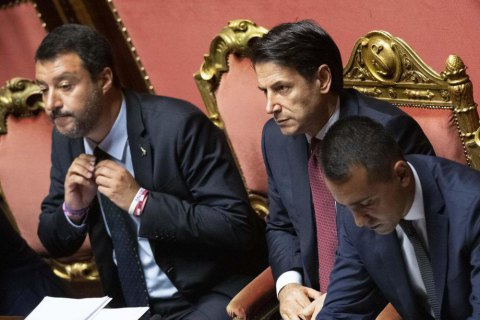 Премьер Италии сделал публичный выговор своему заместителю и объявил об отставке