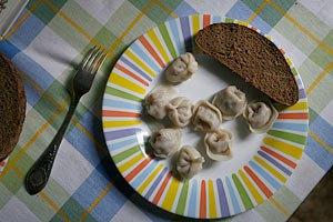 Украинцы ежедневно недоедают 800-1300 ккал