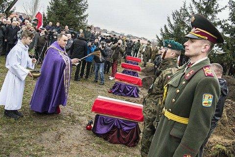 У Львівській області перепоховали польських військових