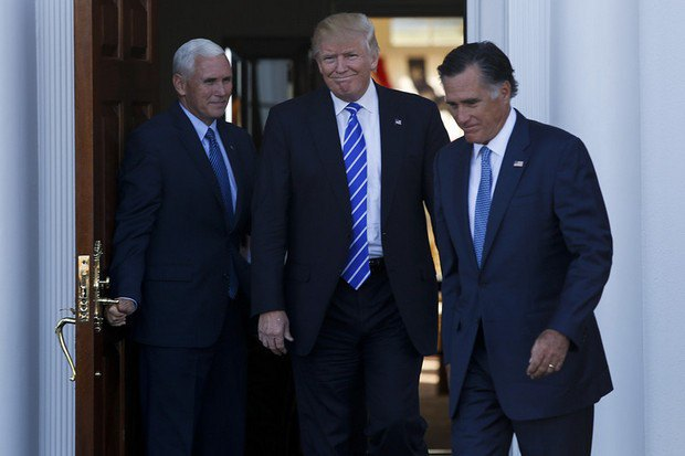 Зліва направо: Пенс, Трамп, Ромні