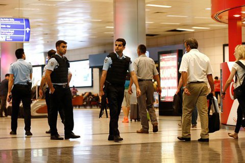 Турецька поліція затримала двох іноземців у рамках розслідування стамбульського теракту