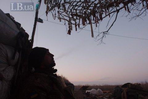 С начала суток на Донбассе получил ранение один военный
