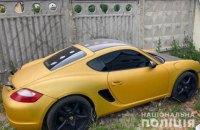 У Києві чоловік викрав автомобіль Porsche за допомогою евакуатора