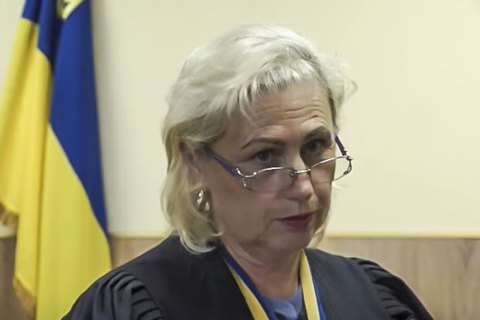 Судью Барышевского райсуда, вынесшую решение по SkyUp, не могут отчислить из-за больничного