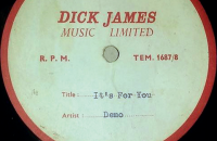 Случайно найденную демозапись The Beatles продали на аукционе за £21 тыс.