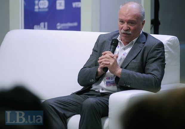 Валентин Хонин, профессор Института международных отношений