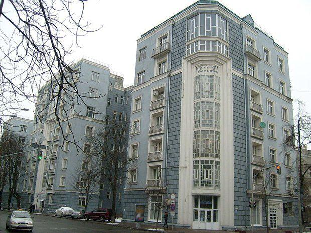 Дом на Институтской, построенный по проекту Иосифа Каракиса