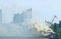 У Києві виникла пожежа на споруджуваному судні ВМСУ (оновлено)