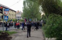 В Донецке сепаратисты взяли штурмом областное СБУ