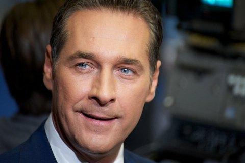 Вице-канцлер Австрии попал в скандал из-за российских денег на выборы