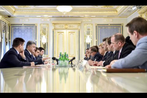 Вибори на окупованому Донбасі призведуть до загострення ситуації, - Порошенко