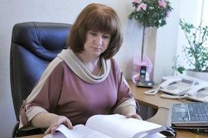 ВРЮ звільнила голову суду, яка відпустила 4-х студентів під домашній арешт