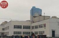 В киевской школе распылили слезоточивый газ