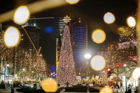 МЗС закликає українців уникати багатолюдних місць при поїздках у ЄС на Новий рік