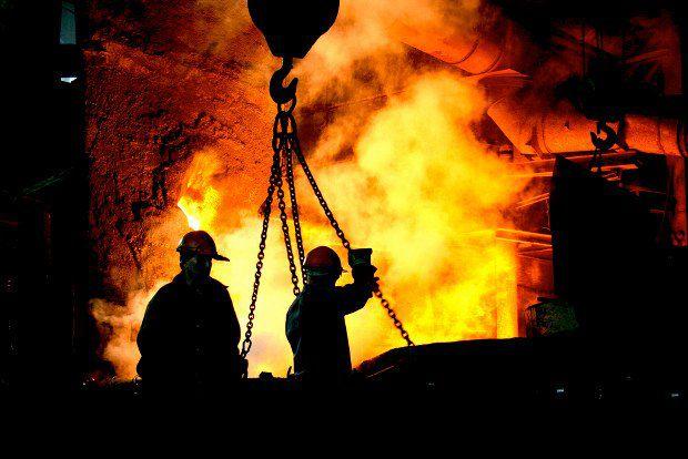 Владельцы металлургических заводов выиграют от девальвации гривны