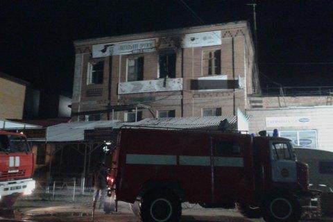 Появились фото сместа пожара вхостеле Запорожья, где живьем сгорели люди