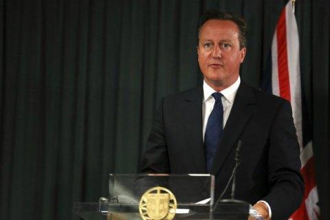 У Британії офшори сім'ї Кемеронів назвали їхньою особистою справою