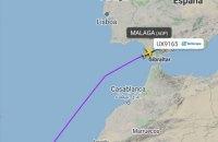 В Іспанії літак пішов на екстрену посадку через українця, який відмовився вдягти маску