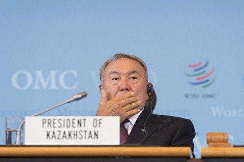 """Назарбаєв наказав у разі спротиву """"знищувати"""" нападників в Актобе"""