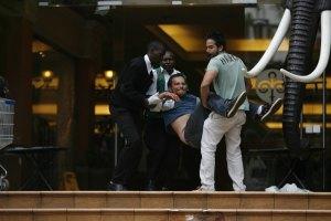 Власти Кении обвинили четырех мужчин в помощи нападавшим на ТЦ в Найроби