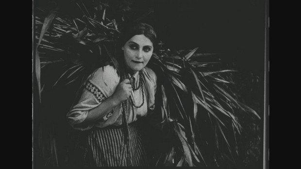 "Кадр з фільму ""Тарас Трясило"""