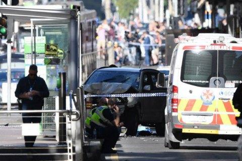 В Мельбурне автомобиль наехал на пешеходов: до 15 пострадавших