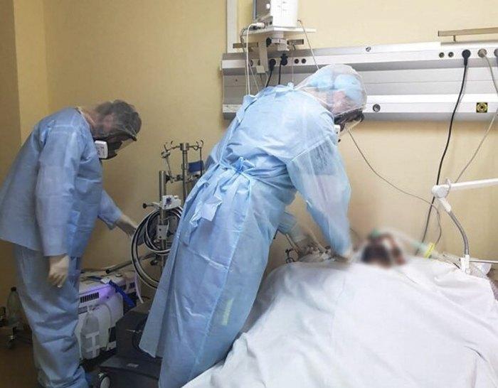 Палата інтенсивної терапії інфекційного відділення Олександрівської лікарні Києва