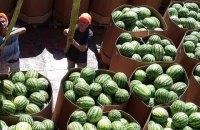 У Київську область прибула баржа з херсонськими кавунами
