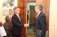 Посол США заверил Кожару в поддержке Украины