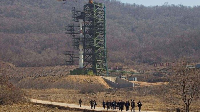 Иностранных журналистов допустили на закрытие ядерного полигона Пхунгери, Северная Корея, 22 мая 2018.