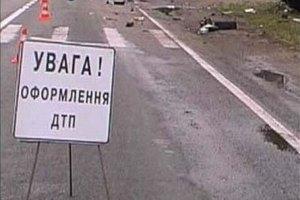 В Днепропетровске на дороге разлилось 1,5 т соляной кислоты