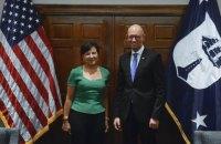 Яценюк встретился с американскими министрами торговли и финансов