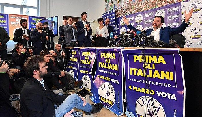 Маттео Сальвини во время пресс-конференции в штаб-квартире партии, Милан, 05 марта 2018.