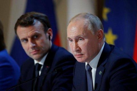 Путин и Макрон обсудили конфликт на Донбассе