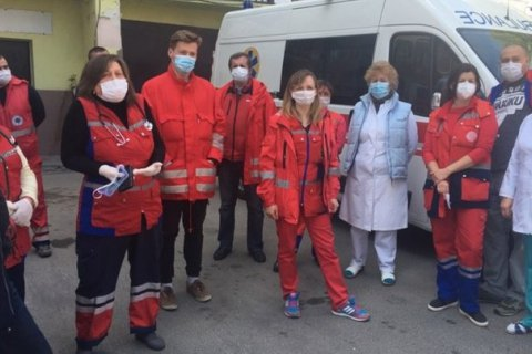 У Тернополі лікарі екстреної допомоги протестували через відсутність доплат до зарплати