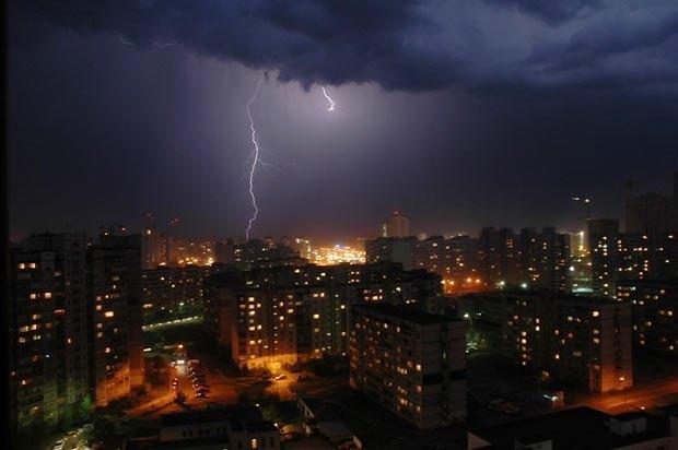 Вчорашня гроза над Києвом змусила задуматись над політичним майбутнім