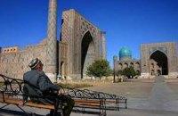 Узбекистан введе податок на туристів