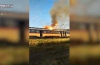 Під Дніпром на ходу загорілася електричка