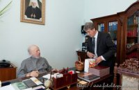Ющенко навестил митрополита Владимира