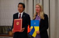 Украина подписала меморандум с Китаем на получение 50 автомобилей скорой помощи