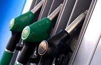 Продавці бензину ігнорують зниження світових цін на нафту