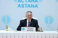 У Казахстані чиновникам заборонили купувати іномарки